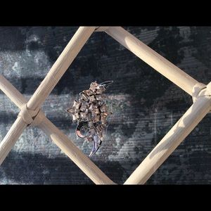 Snowflake gemstone pin